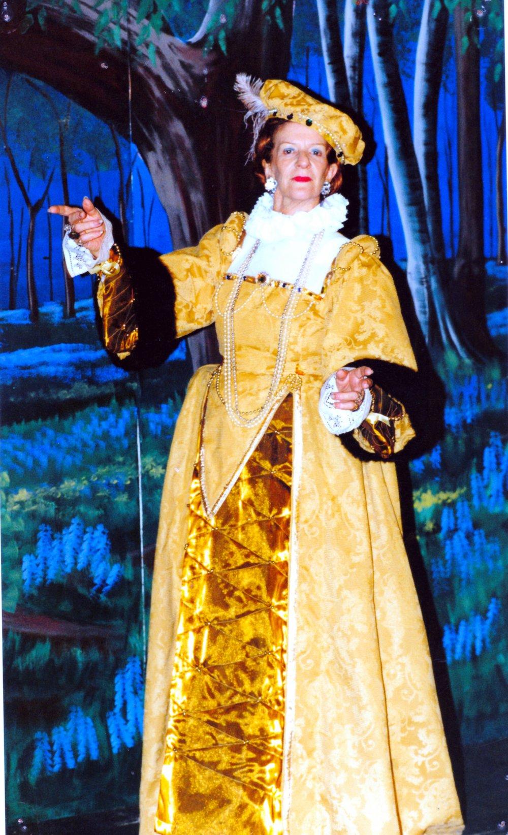 Merrie England Queen Elizabeth Doreen.jpg