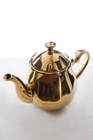 Large Gold teapots I $25.00 each I Qty 6
