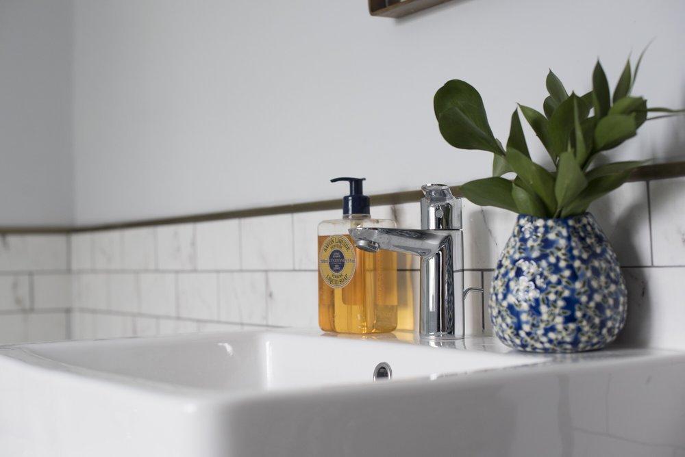 The_Strawberry_Thief_Bathroom_Sink.JPG