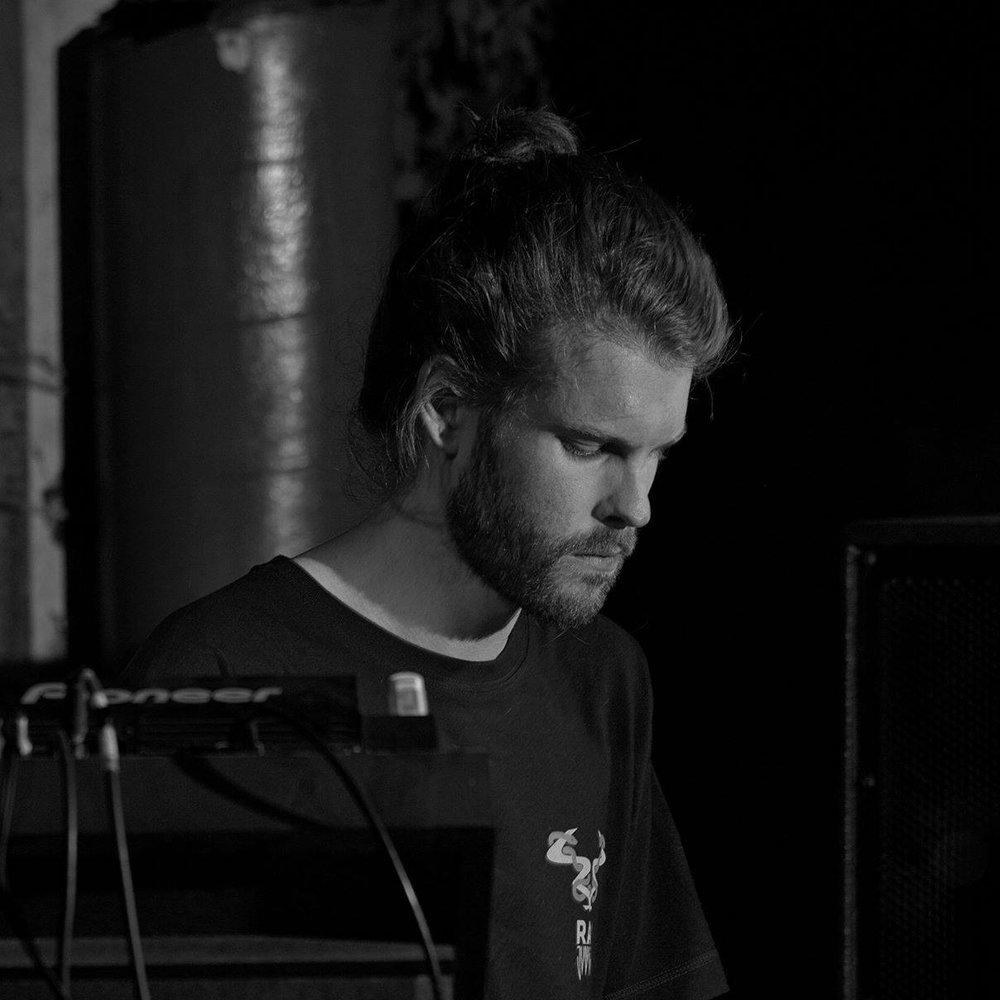 JAKE ROBERTZ [ PROGRAM | MUTI MUSIC | FUTURE ROOTS ]