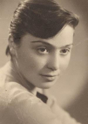 Нана Георгиевна Нозадзе - мама.