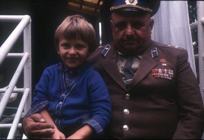 Я со своим крёстным, героем Сталинградской битвы Захаром Хиталишвили