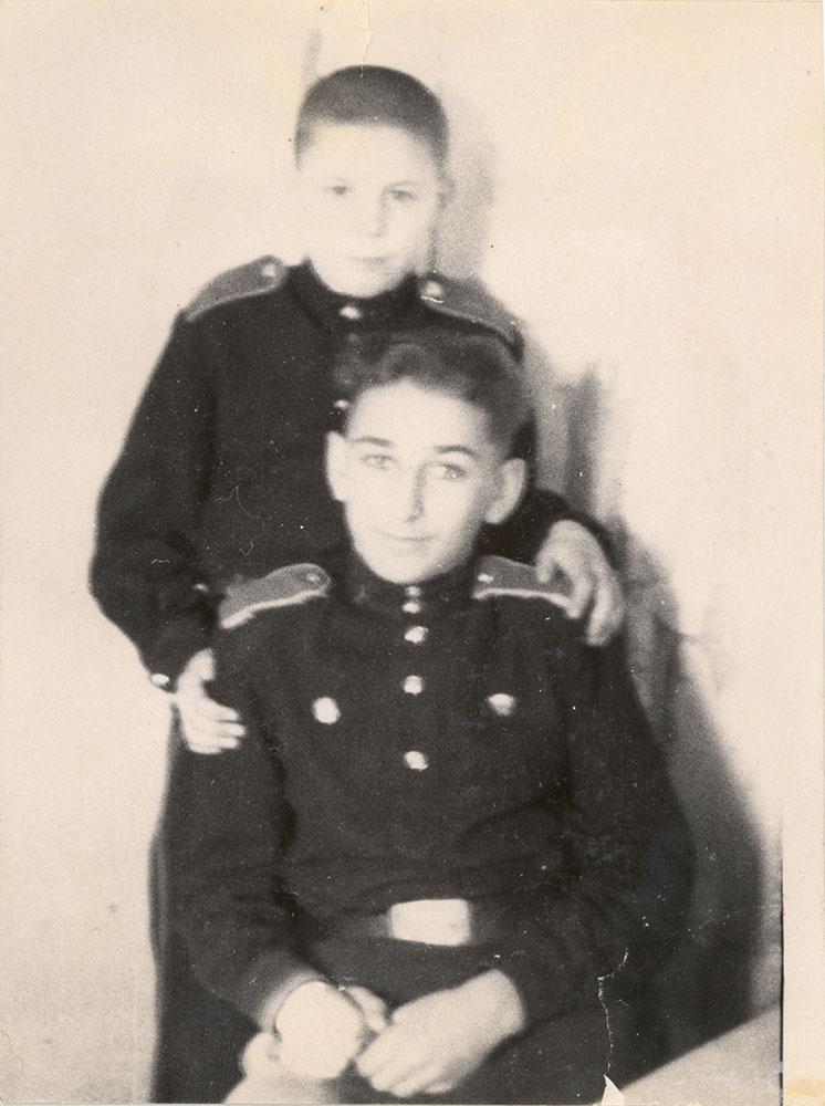 А.Бурдонский и Е.Джугашвили. Суворовское училище. г.Калинин(г.Тверь)