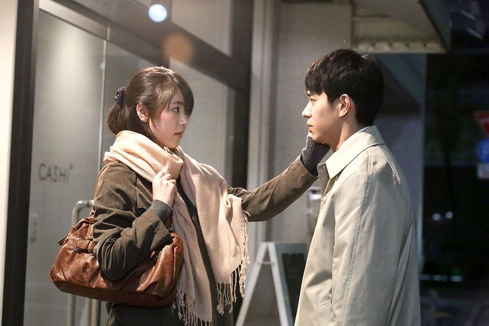 Asako I & II - Asako lives in Osaka. She falls in love with Baku, a free-spirit. One day, Baku suddenly disappears. Two years later, Asako now lives in Tokyo and meets Ryohei. He looks just like Baku, but has a completely different personality.(Drama, Romance: 1hr & 59min)