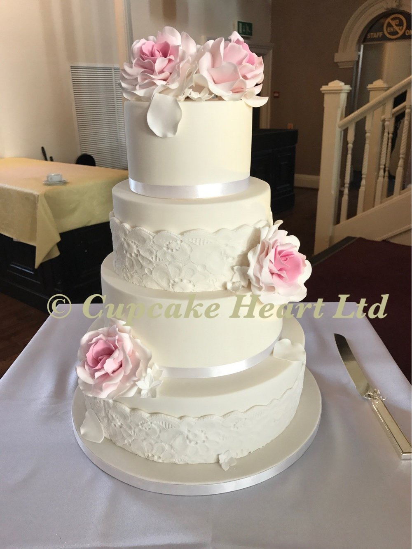 Trad wedding cake.jpg
