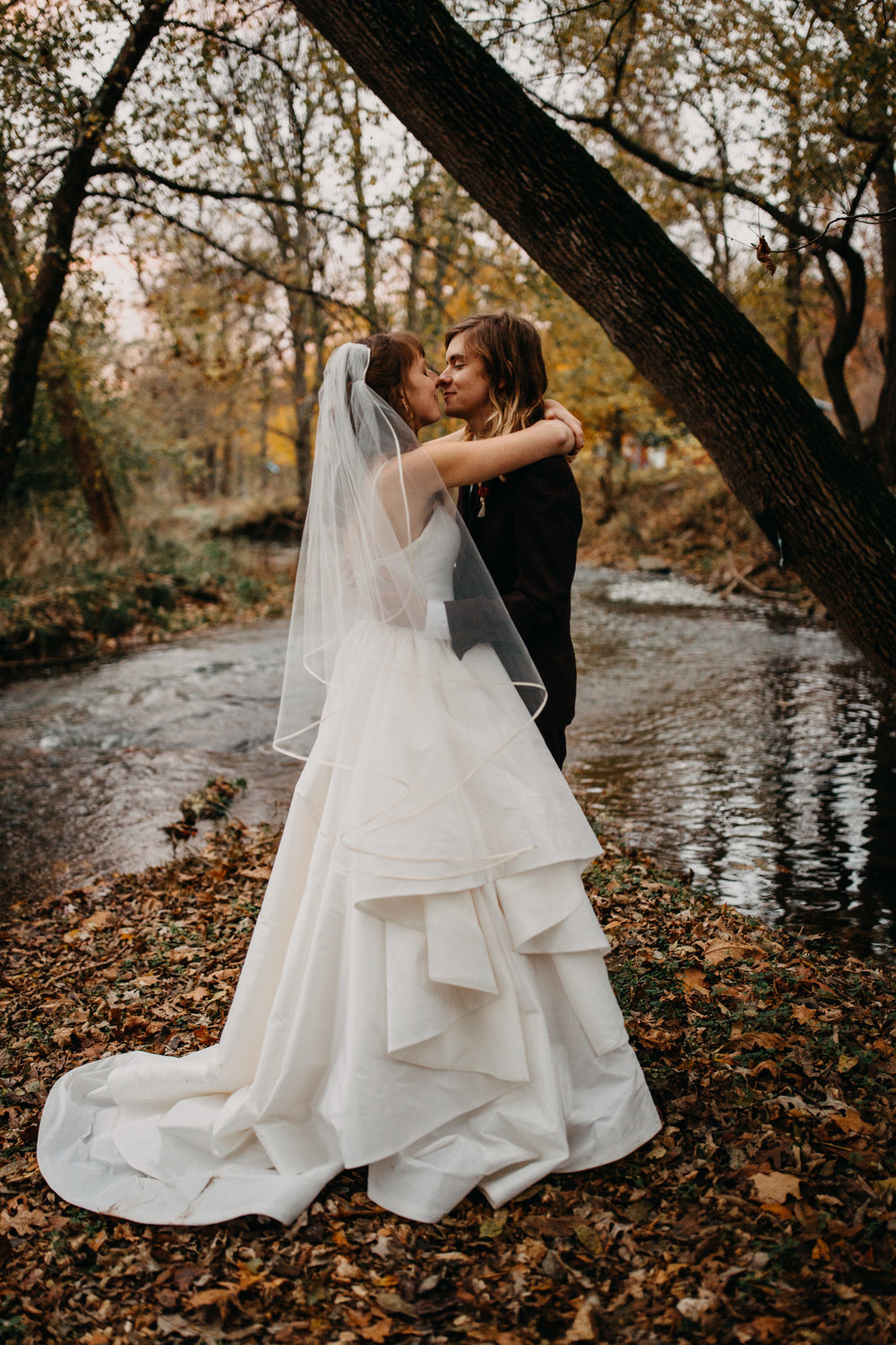 elopement by river