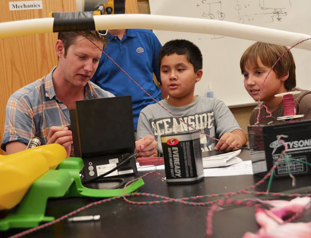 Teaching and Mentoring - This can take many forms. Sometimes I am asked to run a workshop to describe how a technology works to a group of investors, sometimes I teach kids how to build robots and program. If you need some help teaching students, young and old, I can help.