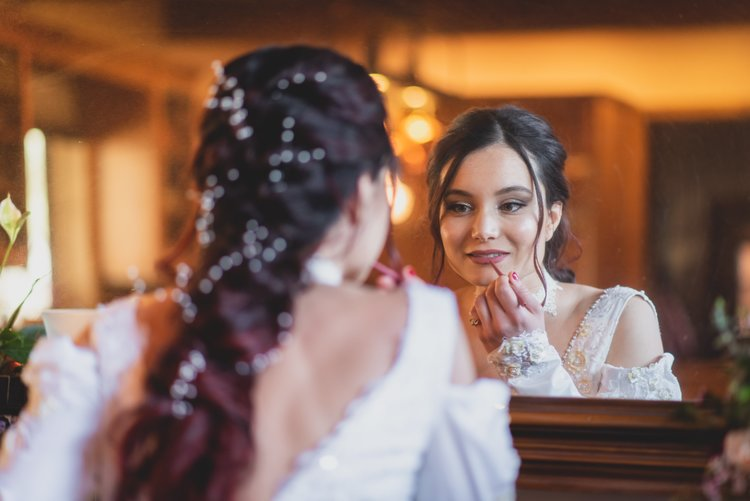 Wedding Photography - Wedding Survival Kit - Bride Getting Ready