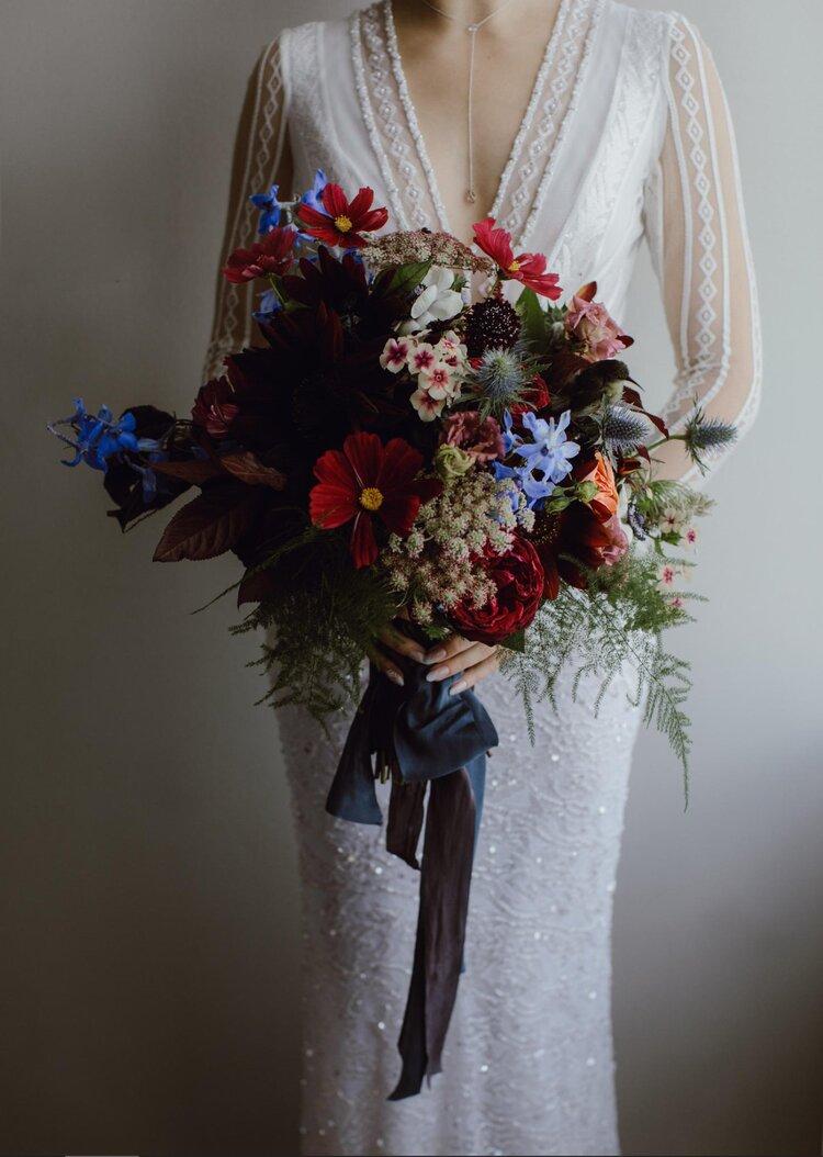 unique-instagram-wedding-florists-to-follow-asraigarden