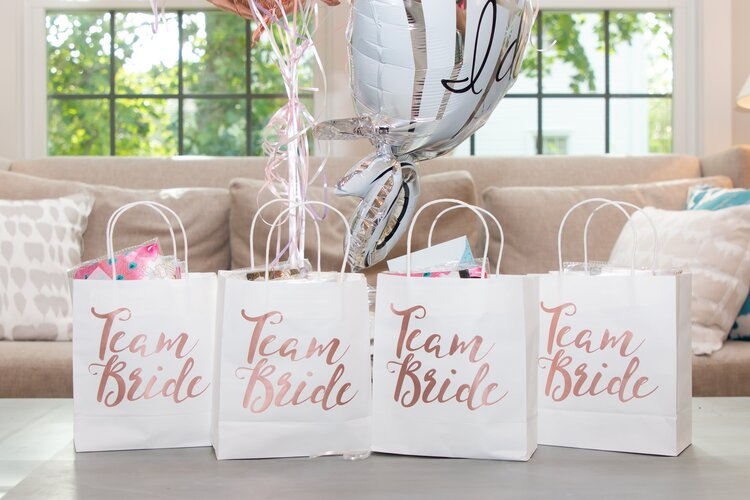 tips-on-how-to-host-an-unforgettable-wedding-shower-gifts