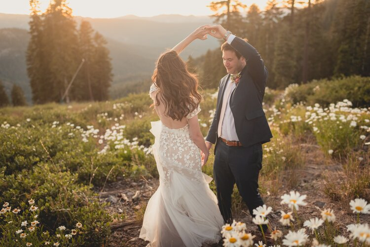 fall-wedding-accessories-that-will-keep-you-warm-scenery
