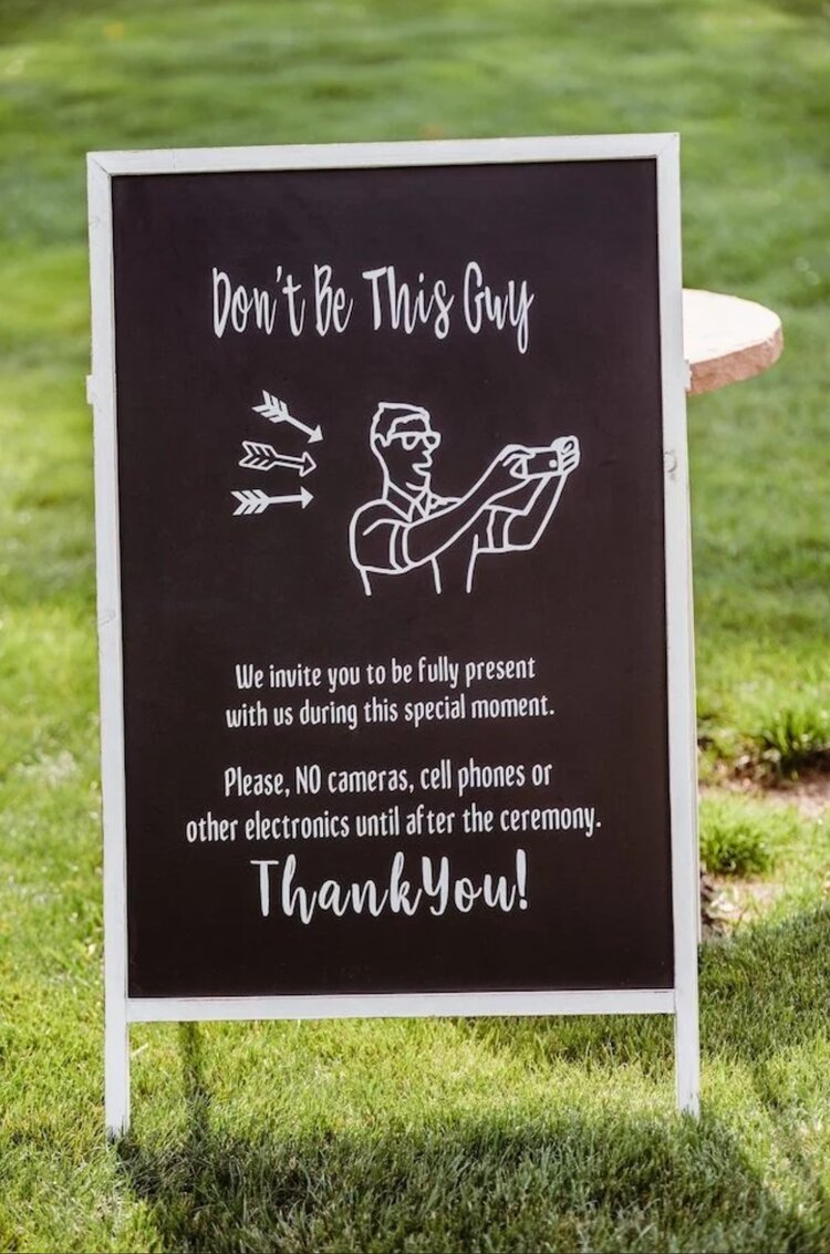 funny-wedding-day-signs-unplugged