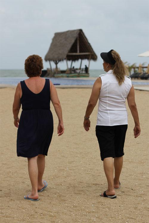 Mom and Aunt at Maalu Maalu