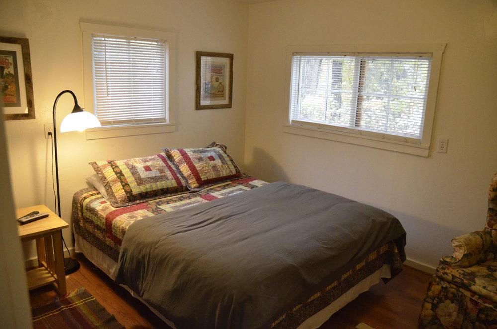 _0181873 Heron bedroom 2.JPG