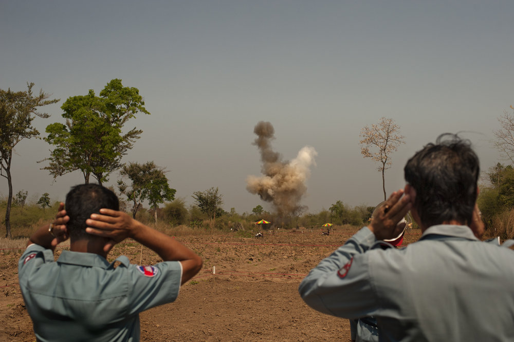 Detonation of land mines / Cambodia - 2011