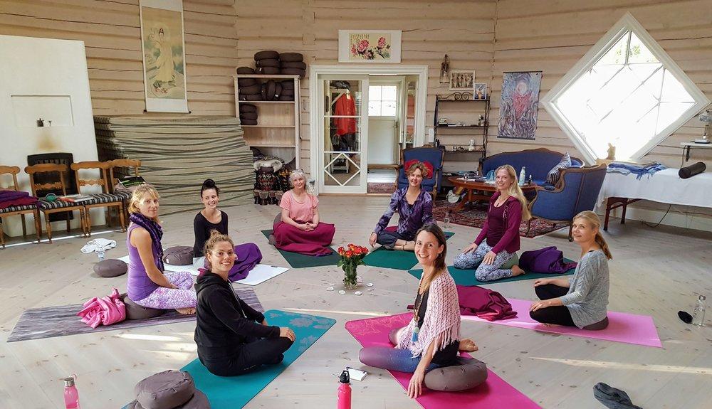 Yoga, meditation och samtal <3