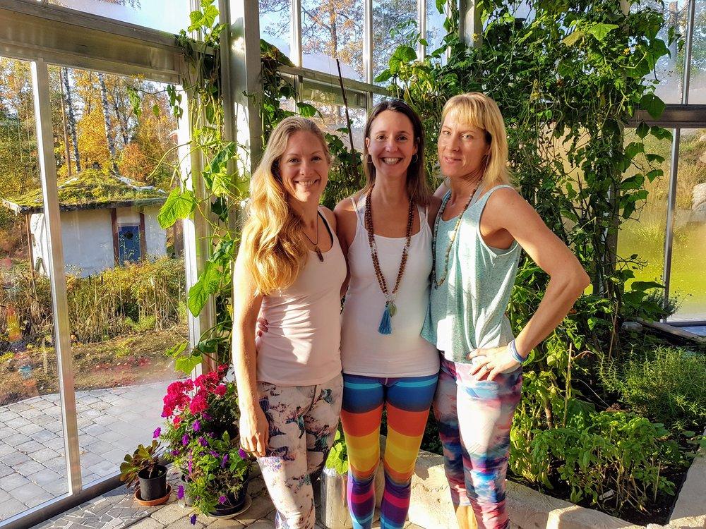 Det är Maja, jag och Jenny som håller i eventet. Bilden är tagen från vår helgretreat nu i helgen.