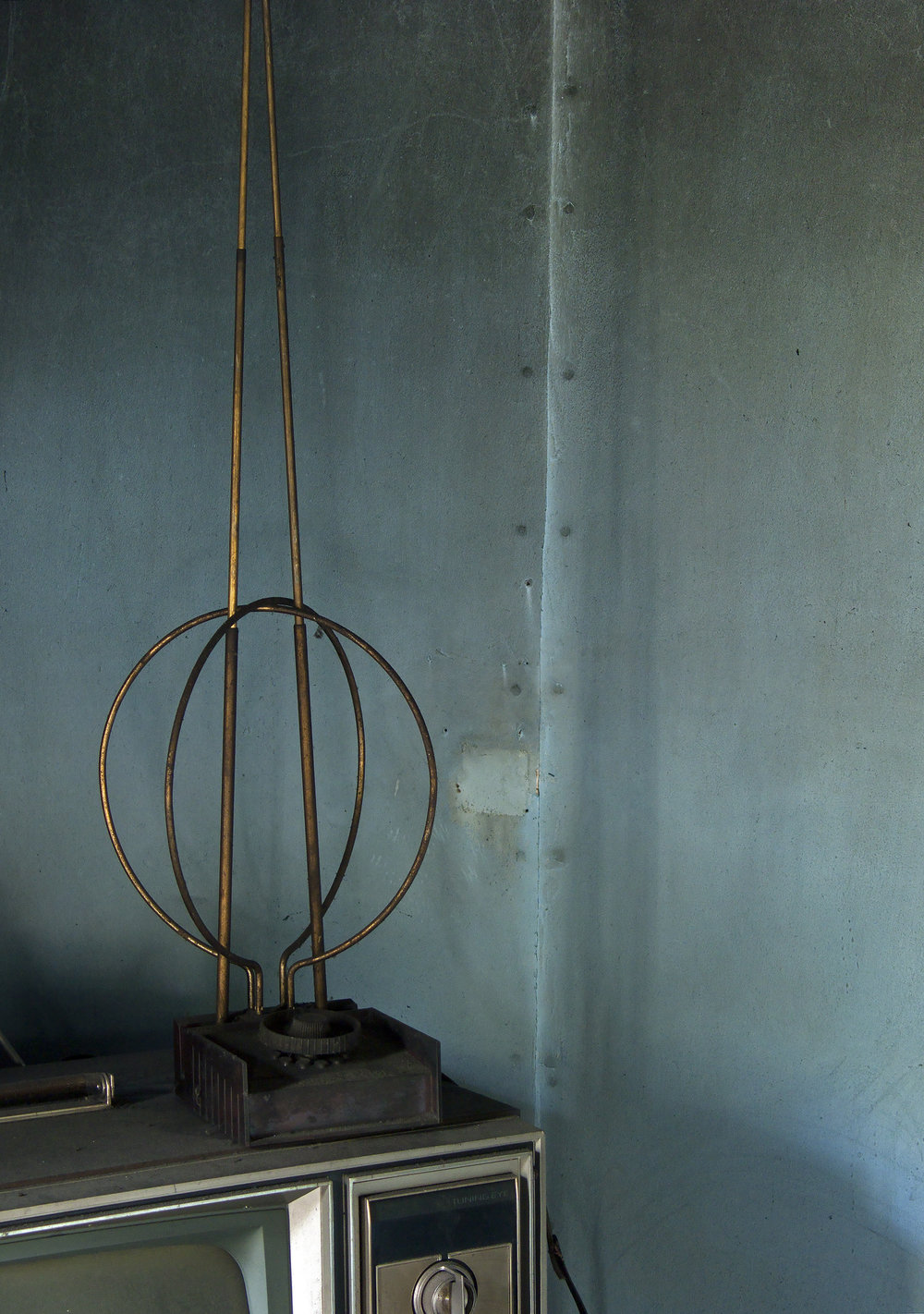 Carol-Lawrence-Antenna.jpg