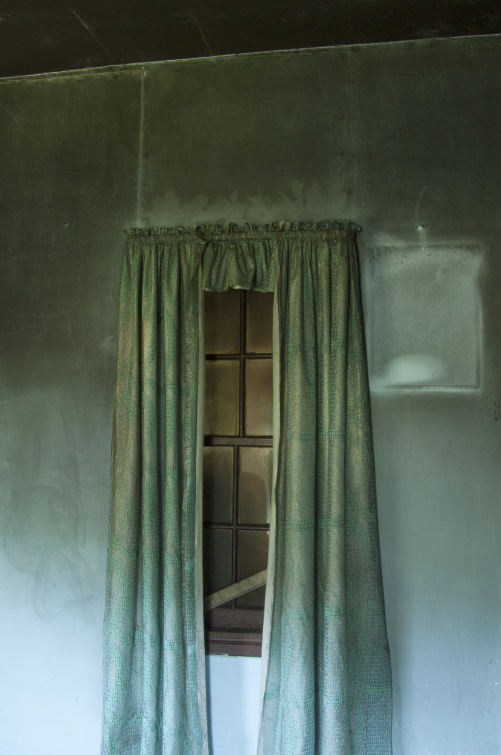 Carol-Lawrence-the-blue-room-curtains.jpg