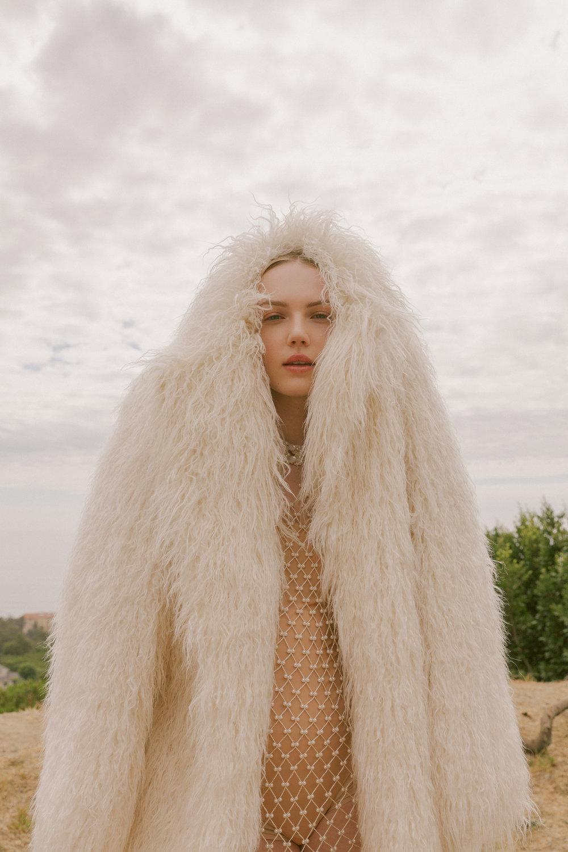 Emily Ruhl for Tings Magazine December 2018 / Styled by Natalie Hoselton