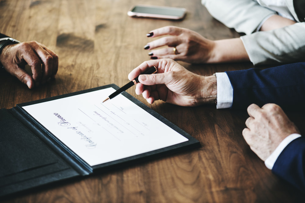 Copie de Breakup marriage couple with divorce certification