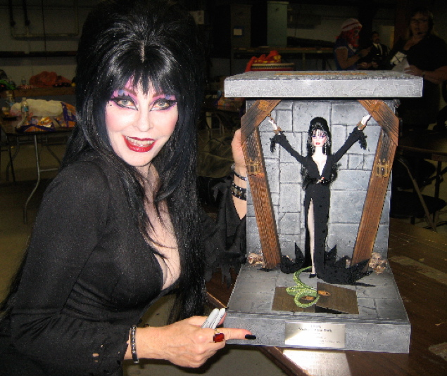 Elvirawithdoll.jpg