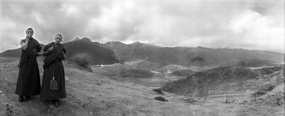 山高云重西域天,形孤影单喇嘛寺。