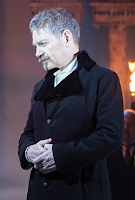 http://www.theguardian.com/culture/2015/nov/08/the-winters-tale-review-kenneth-branagh-and-judi-dench-garrick#img-1