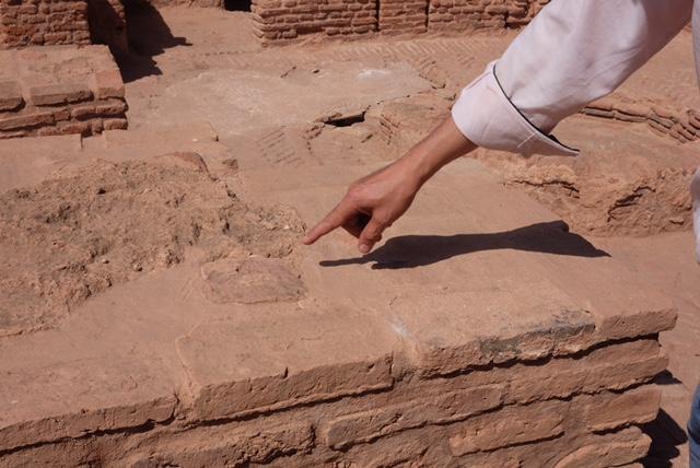 Title- Pointing. ©Rita Alaoui 2016 [Experimental Archaeology, Morocco].jpg