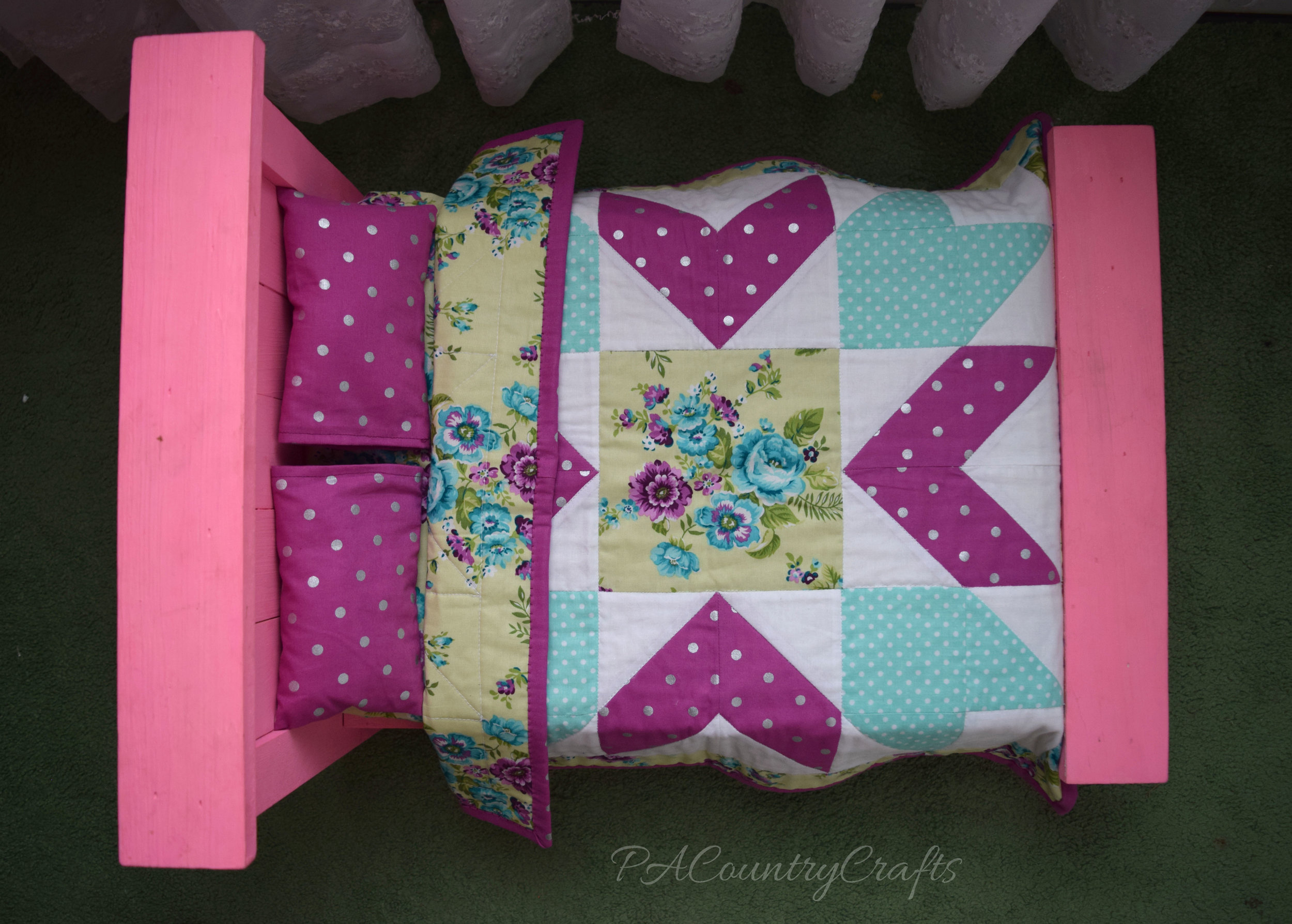 American Girl Pink Farmhouse Doll Bed with Star Quilt and Pillows