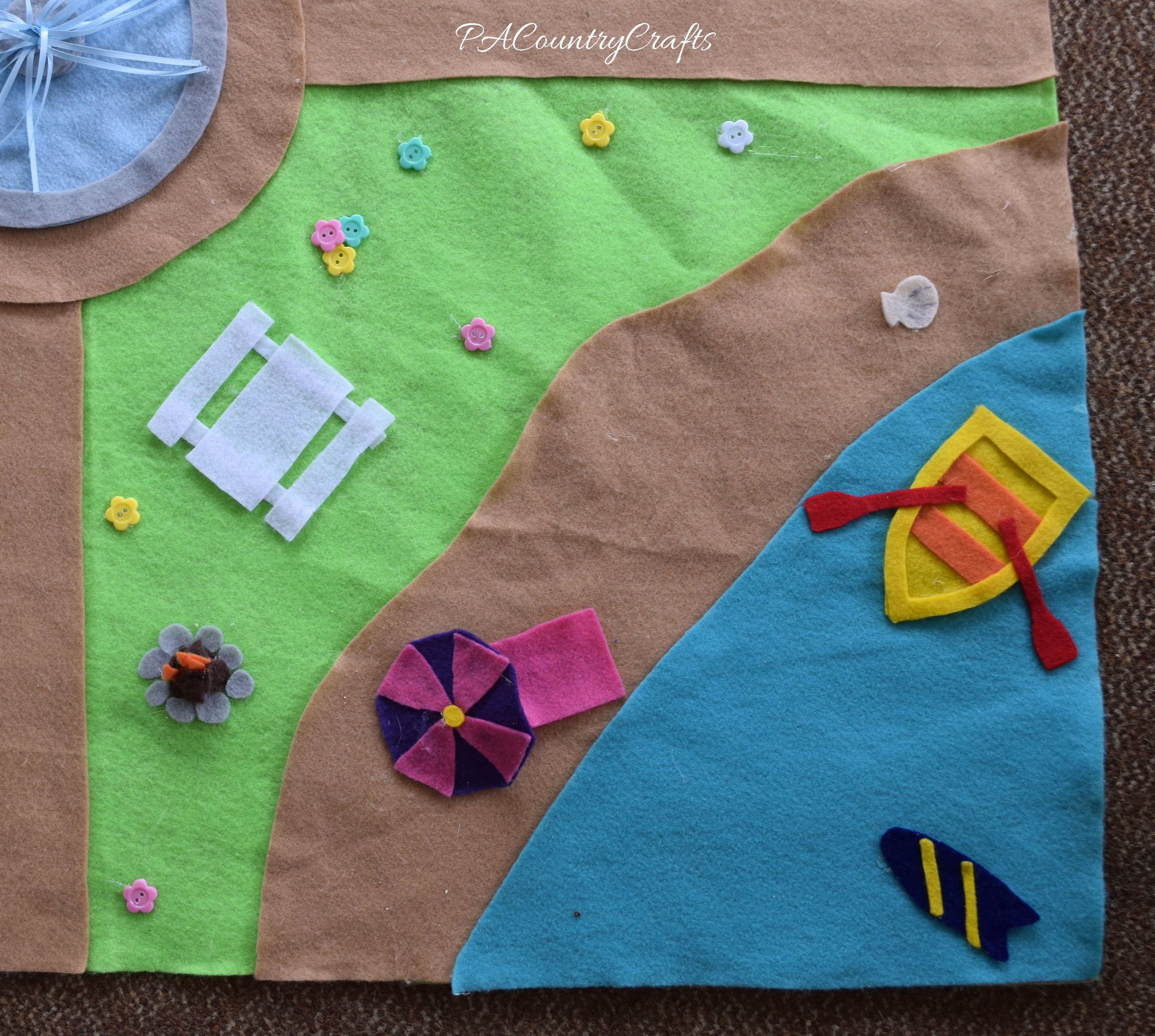 DIY no-sew felt beach play mat