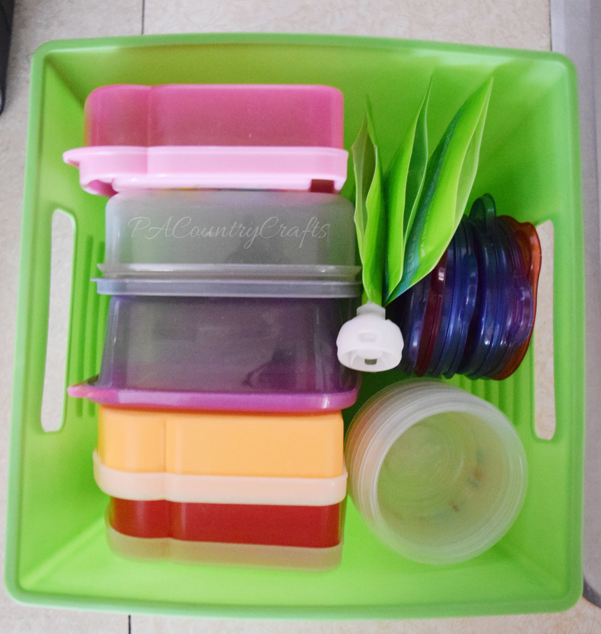 how to organize lunchbox containers