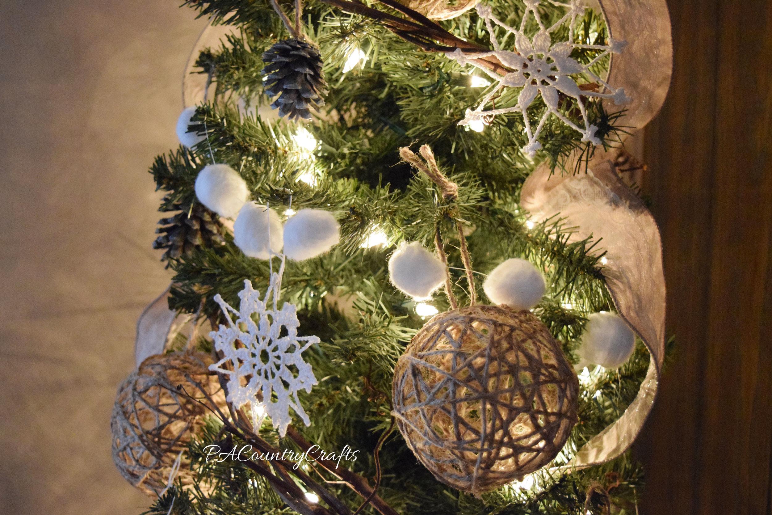 rustic winter Christmas tree decor
