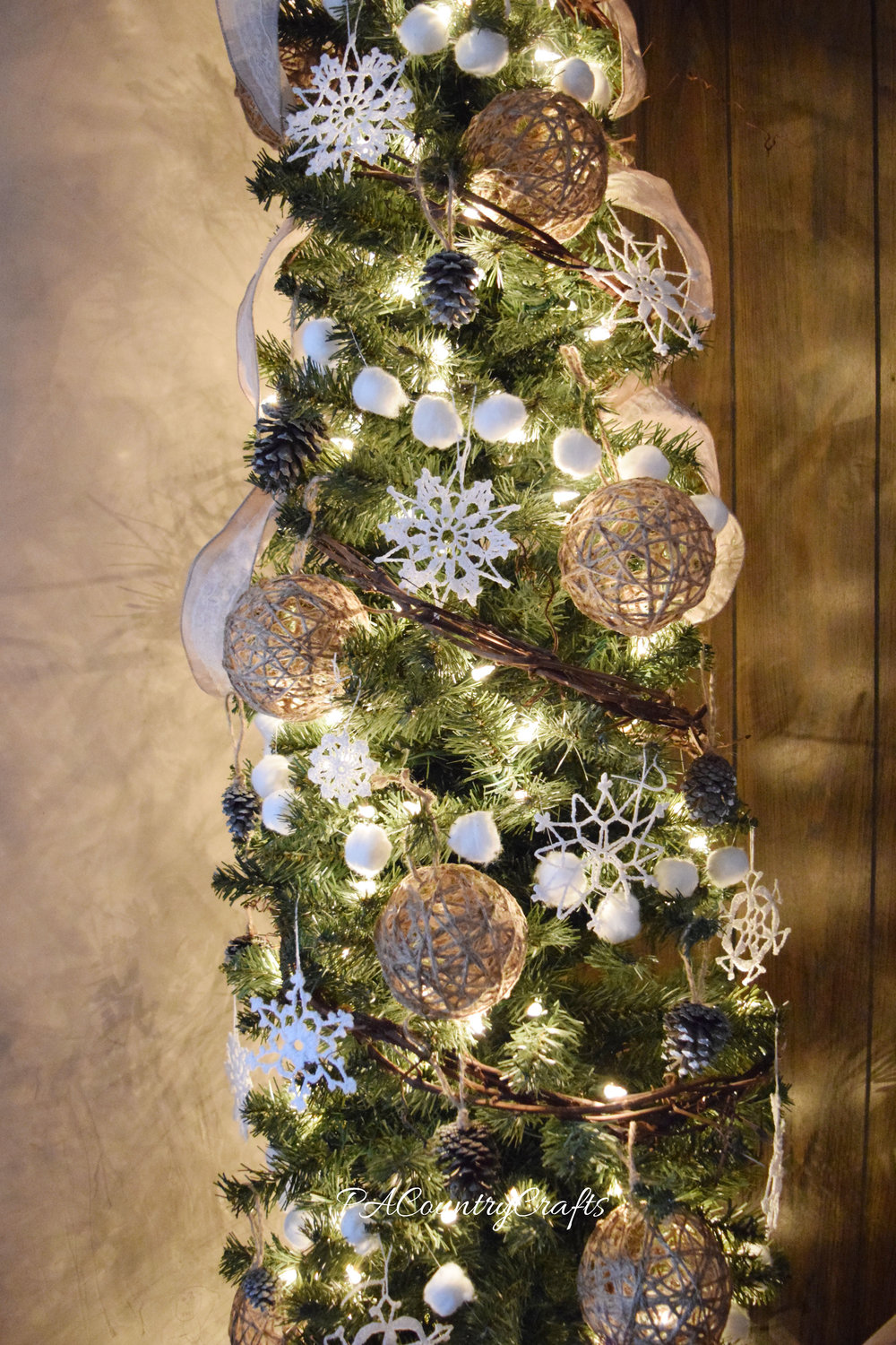 Rustic tree decor made on a tight budget!