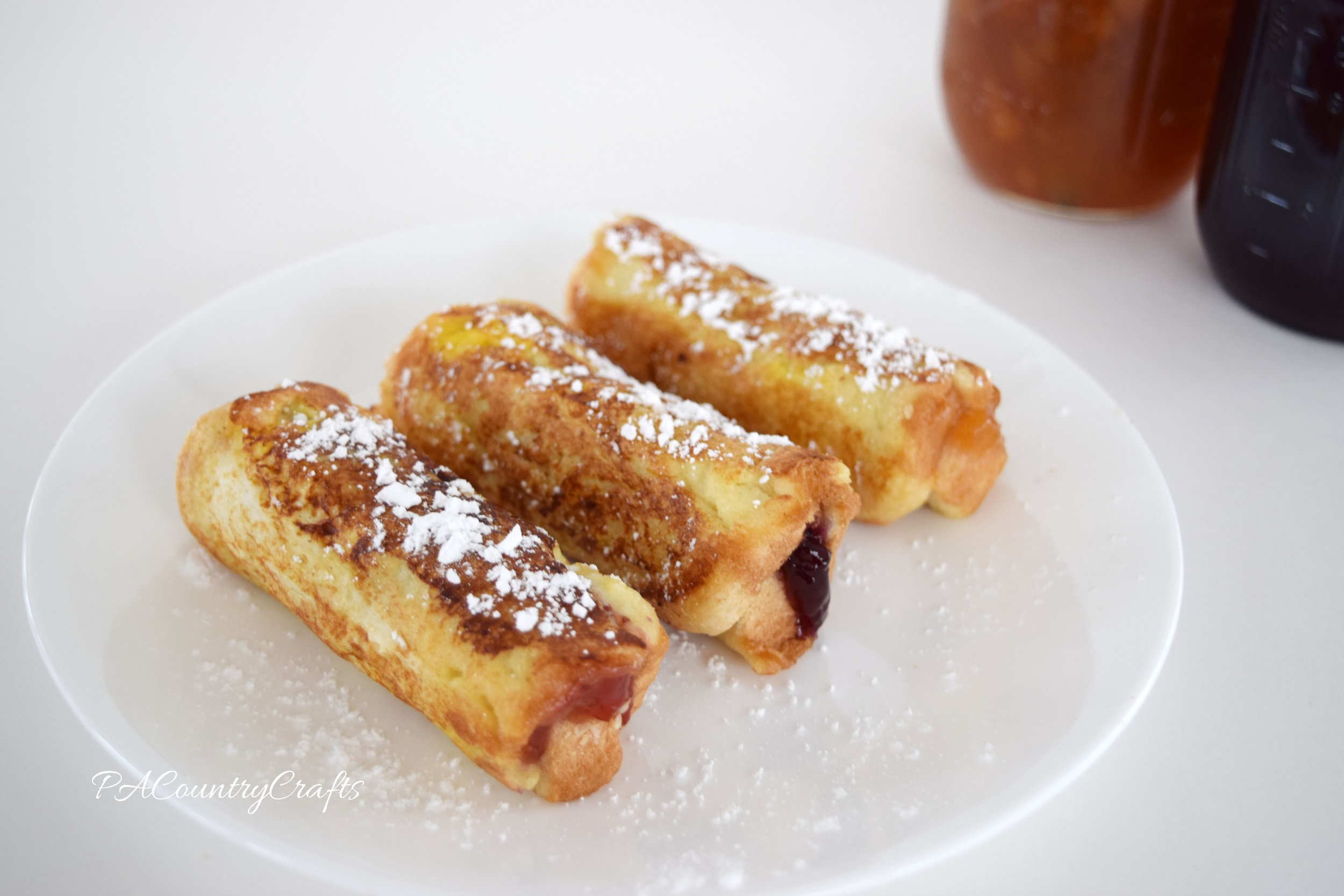 You can make these in any flavor just by switching out the jelly! Peanut Butter and Jelly French Toast Roll-Ups