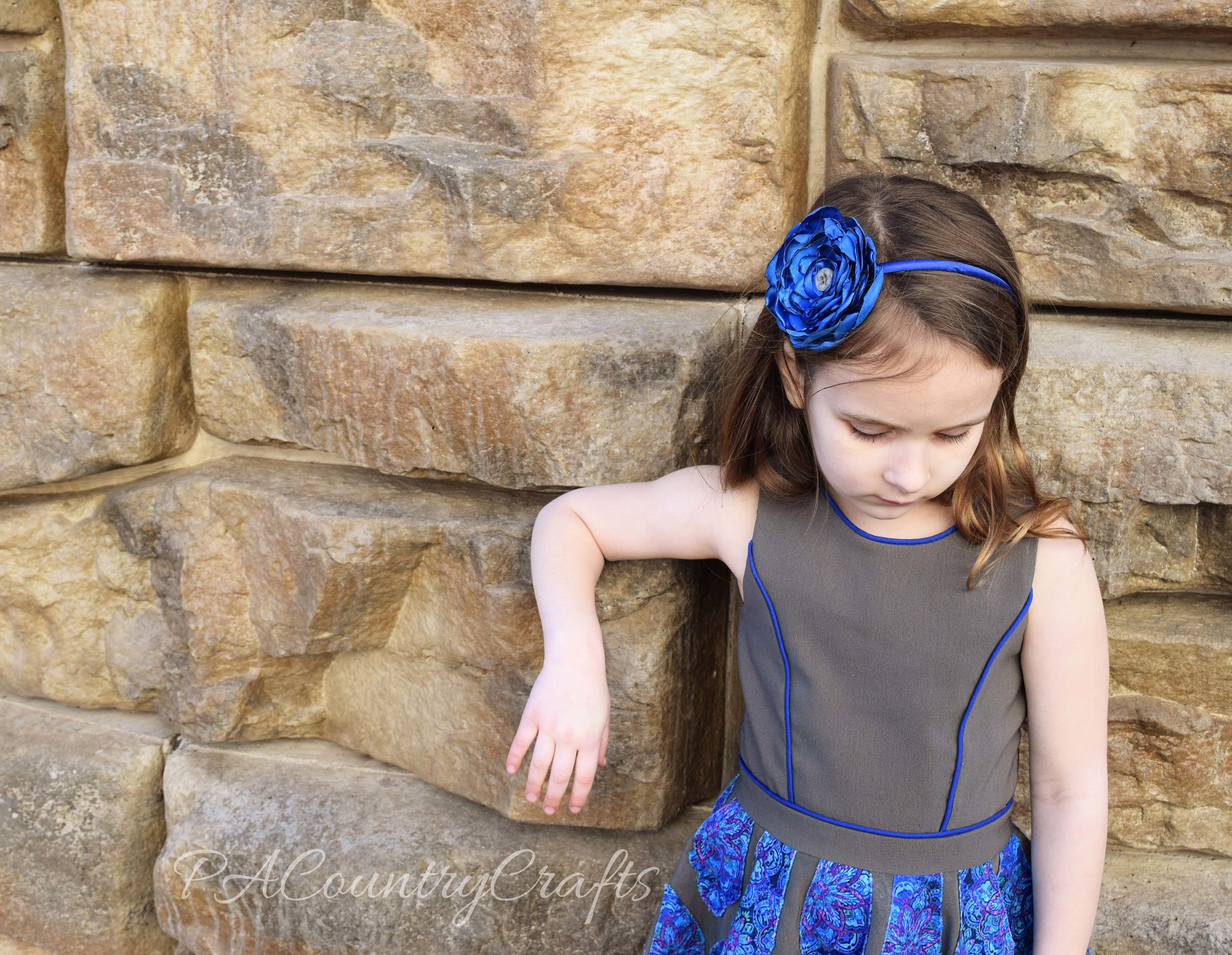 princess seams with piping on little girls dress