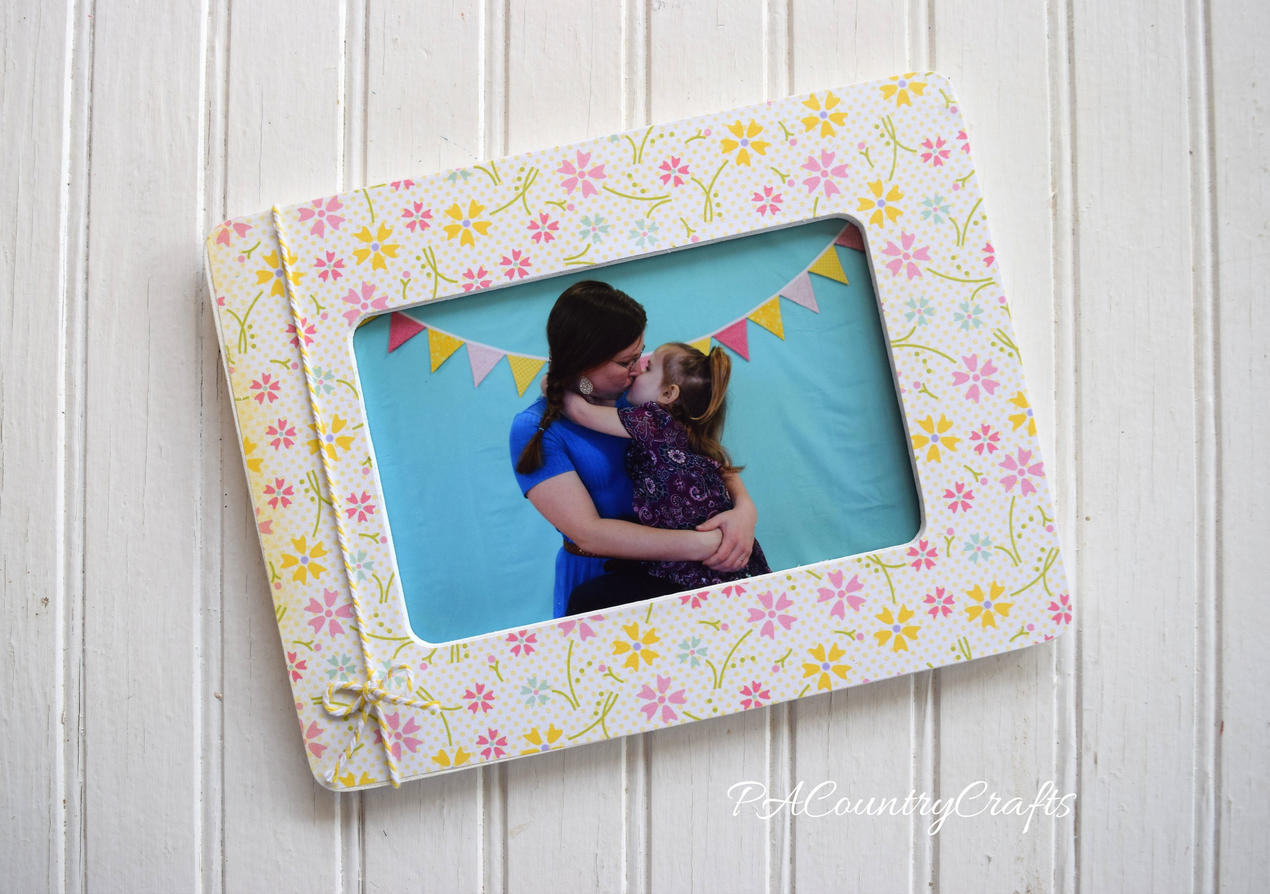 MOPS photo booth and picture frame craft