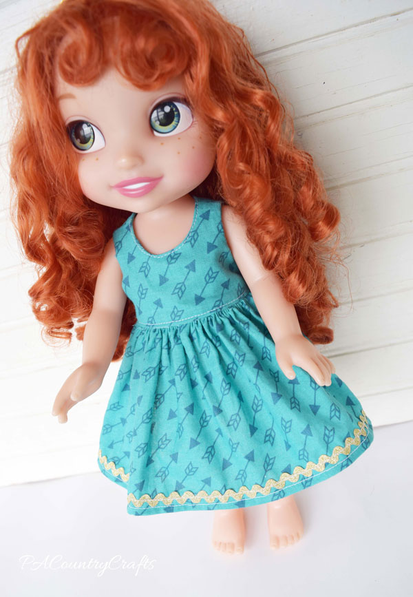 Tutorial for making a doll dress with no raw edges!