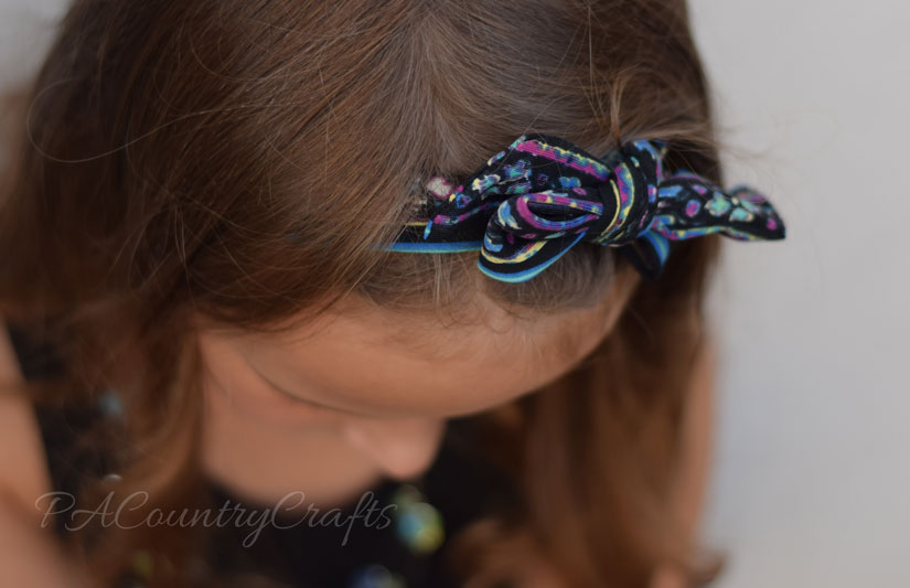 Recycled headband from dress tie