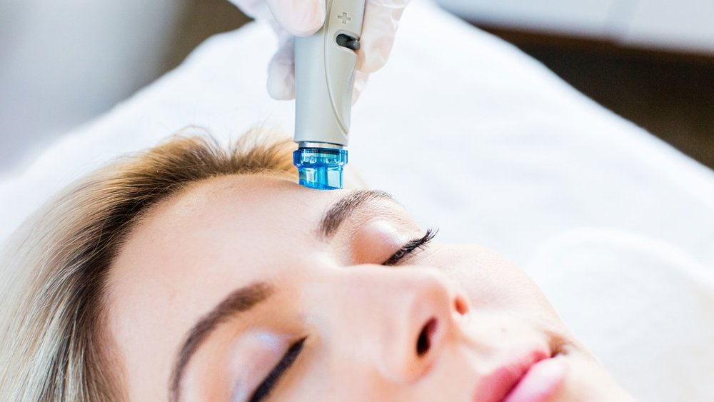 Hydrafacials - Have you experienced the revolutionary new HydraFacial and Serums?Ask how to get one session for FREE!