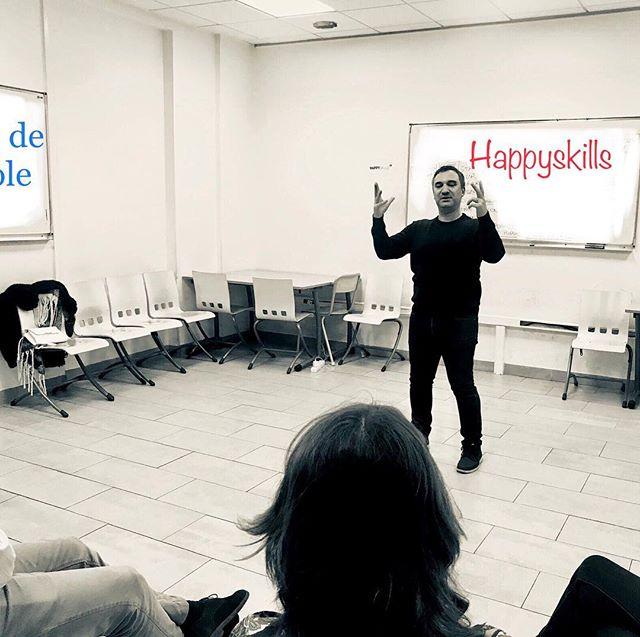 Atelier de prise de parole en public du jour 🚀 : un atelier découverte en 4h avec exercices, tips et astuces du comédien 🎭 pour devenir un ténor du barreau, un orateur éloquent, un tribun romain. En bref, un champion du verbe tout terrain et en toute occasion.  #entreprise #prisedeparole #collaborateurs #happiness #rh #startup #improvisation