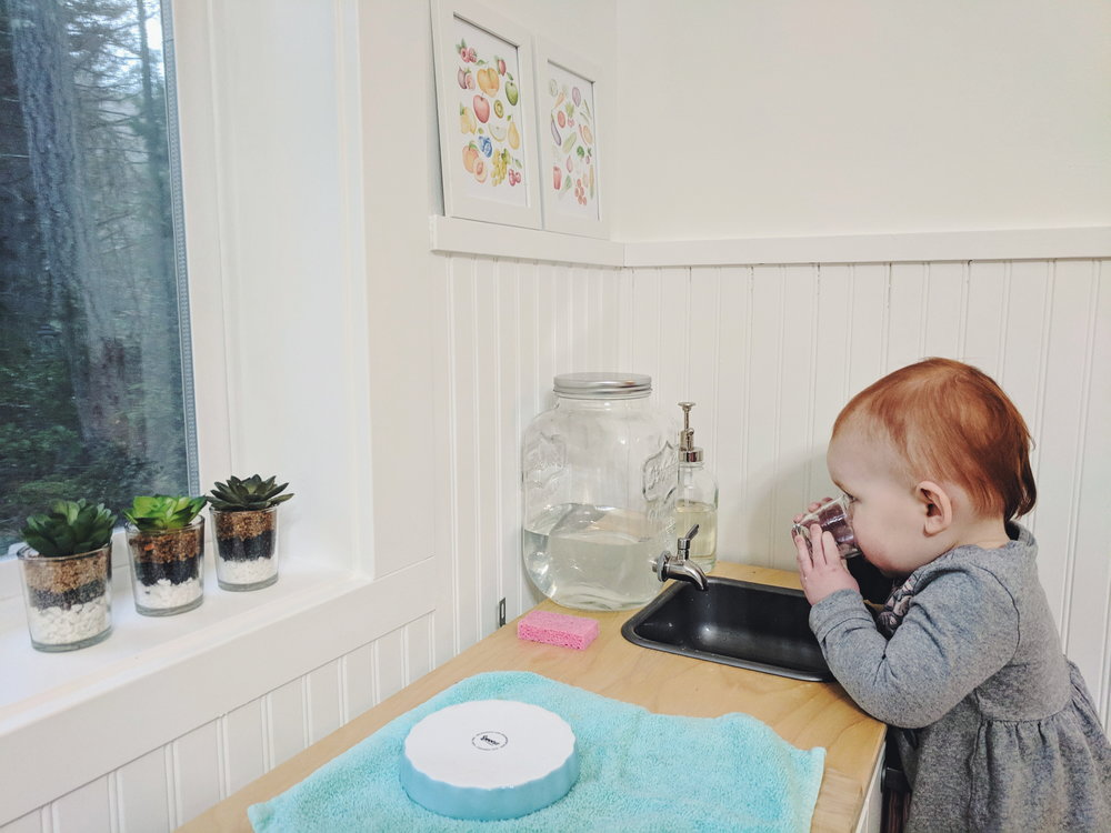 A Functional Toddler Kitchen - www.montessoriinreallife.com