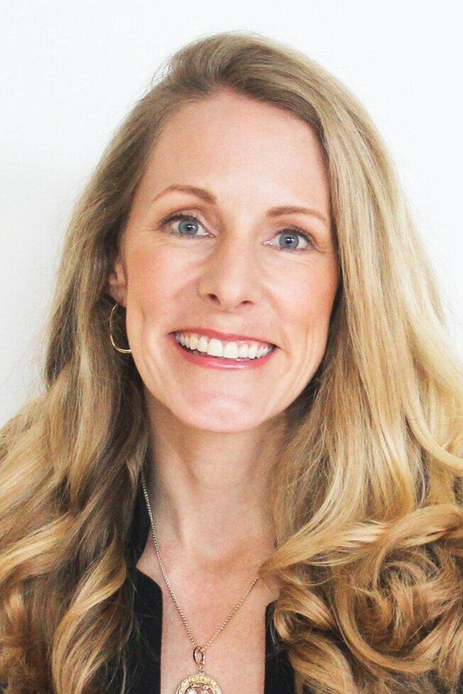 Dariana Ross - President