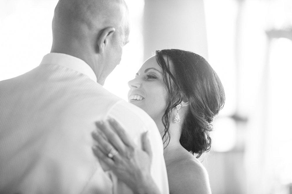 Grant Beachy Tammy Chris wedding photography goshen Saint Joseph veranda whitcomb-066.jpg
