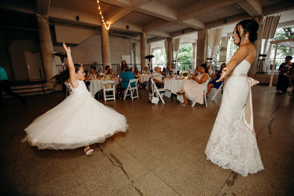Grant Beachy Tammy Chris wedding photography goshen Saint Joseph veranda whitcomb-083.jpg