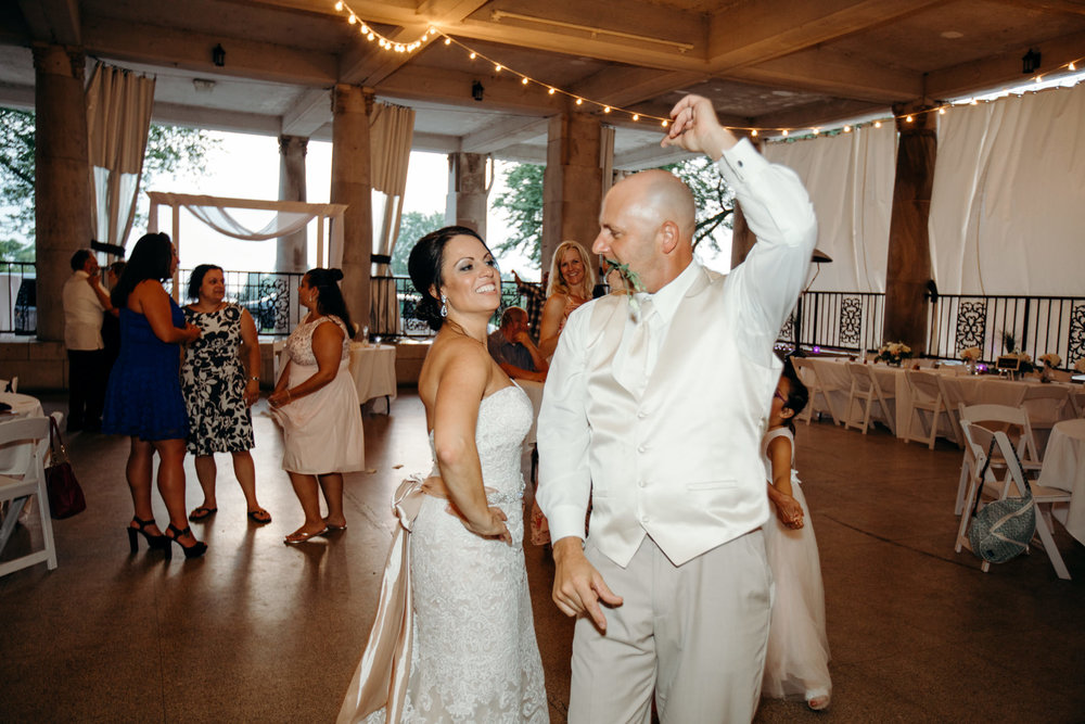 Grant Beachy Tammy Chris wedding photography goshen Saint Joseph veranda whitcomb-091.jpg