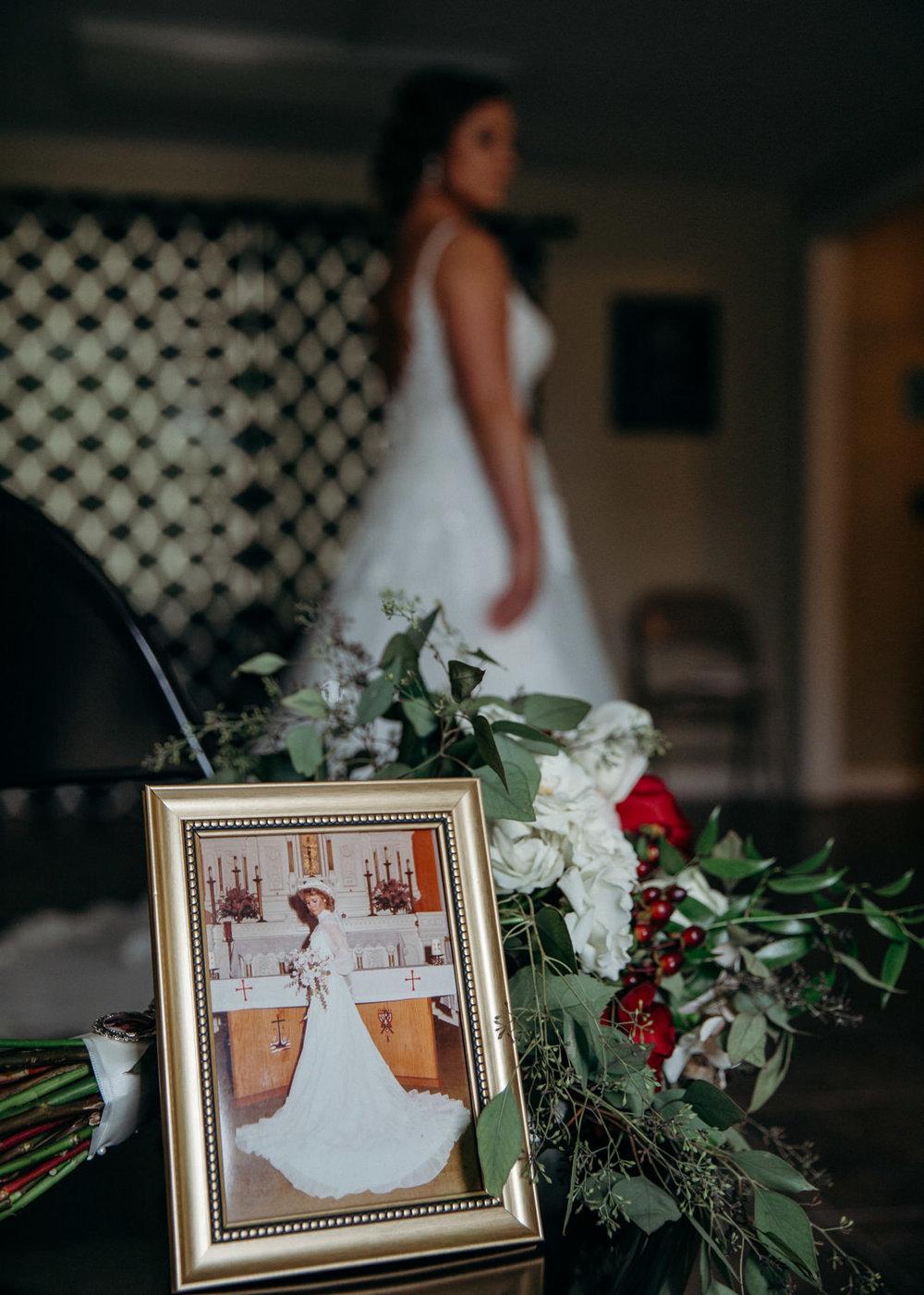 Chase and Chelsea wedding blog photography grant beachy elkhart south bend goshen -012.jpg