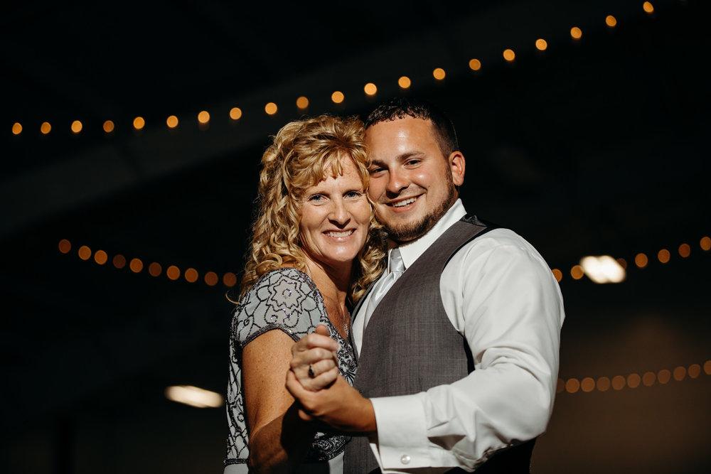 Chase and Chelsea wedding blog photography grant beachy elkhart south bend goshen -051.jpg
