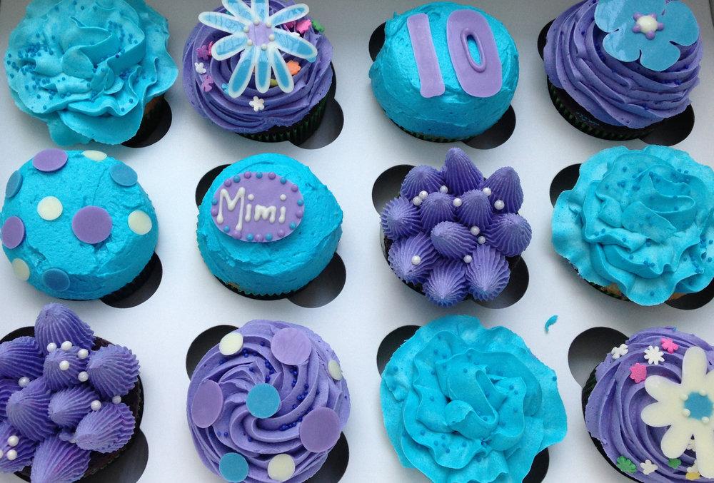 Purple&BlueCupcakes.JPG