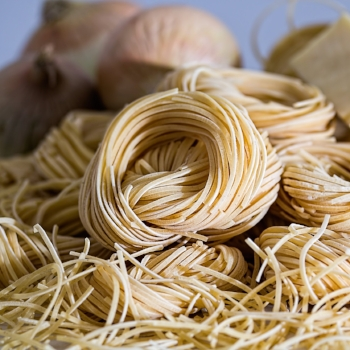 Noodles vs. rice: Which is healthier? via myBody+Soul